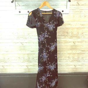 Dresses & Skirts - Modest reversible dress with flutter sleeves